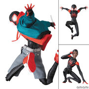 MAFEX マフェックス SPIDER-MAN (Miles Morales) (『SPIDER-MAN:INTO THE SPIDER-VERS』版) 塗装済み アクションフィギュア