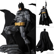 "マフェックス No.126 MAFEX BATMAN ""HUSH"" BLACK Ver."