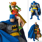 マフェックス No.139 MAFEX BATMAN BLUE Ver. & ROBIN(The Dark Knight Returns)